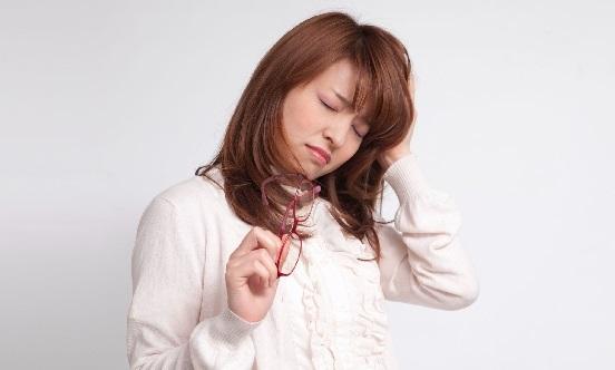頭が痛くて何もやる気になれない…そんな偏頭痛をなくす方法!ガンガン痛む頭痛を解消しよう!