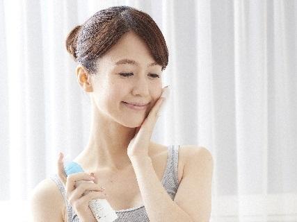 乾燥肌対策に化粧水やクリームは効果あるの?かゆみも出る乾燥肌に最適な基礎化粧品とは